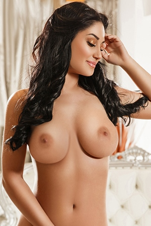 Italian busty brunette CINDY Marble Arch W1 24/7 (24 hour) London escorts agency girl