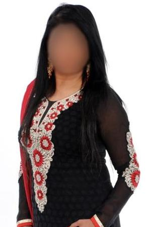 Indian busty brunette KAJAL Croydon CR7 24/7 (24 hour) London escorts agency girl